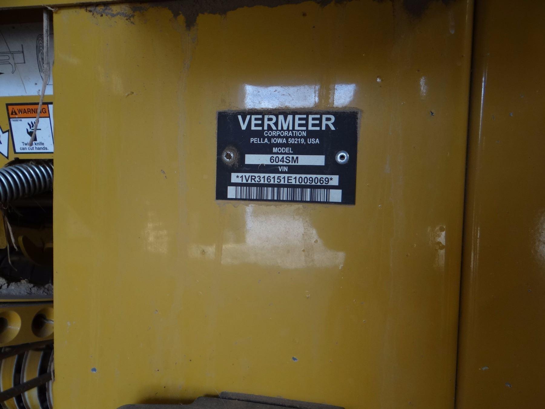 Vermeer 604 Super M round baler, makes a 4 ft -wide bale
