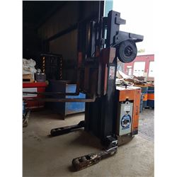 Raymond Fork Lift with charger 110v