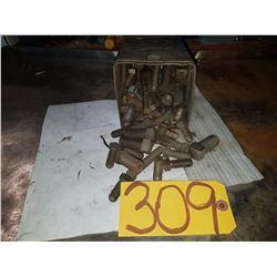 Box of Bolt