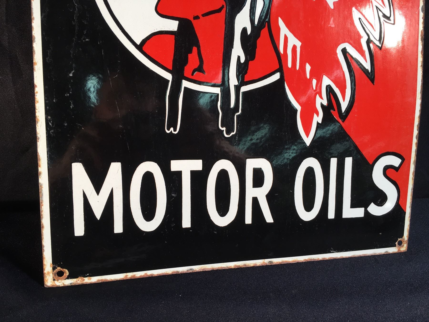 RED INDIAN MOTOR OILS AUTHENTIC VINTAGE PORCELAIN AND METAL SIGN,