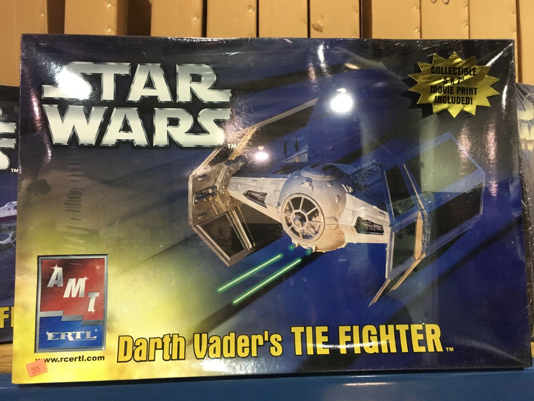 AMT STAR WARS DARTH VADER'S TIE FIGHTER MODEL KIT