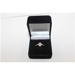 LADIES DIAMOND CLUSTER RING, SETTING SECURES 9 ROUND WHITE DIAMONDS