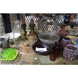 SHELF LOT OF MISC GLASS COLLECTABLES