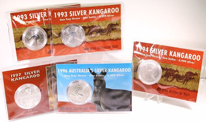 1996 1 oz Silver Australian Kangaroo   UNCIRCULTED Coin in card off Issue