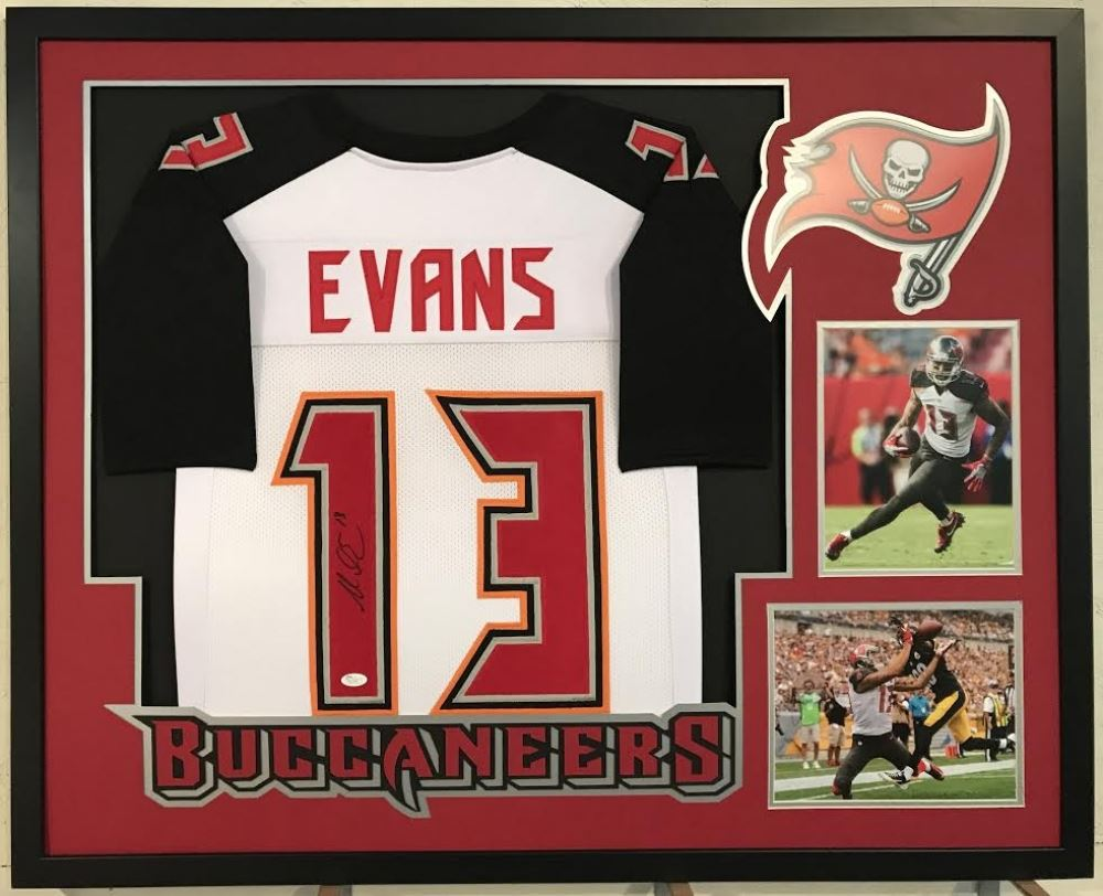 34b83c34a Image 1 : Mike Evans Signed Buccaneers 34