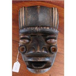 Bete Wood Mask