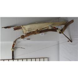 Bow, Quiver + 4 Arrows