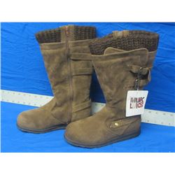 New Mukluks winter boots