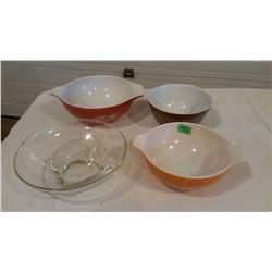 Pyrex Mixing Bowls (3) W/ 1 Clear Bowl