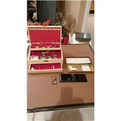 Jewellery Box W/ Custom Jewelery And Wallet