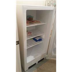 Upright Freezer Fidgidaire, No Contents