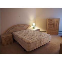 Huge Queen Bedroom Set! (Headbboard, Endtables(2), Dresser, Dresser And Mirror
