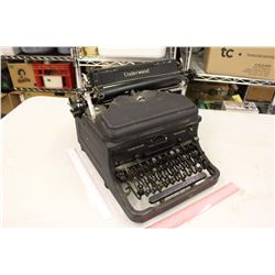 Vintage Underwood Type Writer