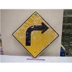"Metal Right Turn Road Sign, 24""x24"""