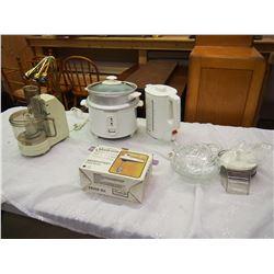 Lot Of Vintage Kitchen Appliances