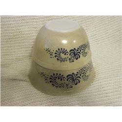 Pyrex Bowls (2), Ex Condition