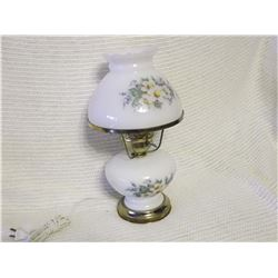 Milkglass Gone With The Wind Lamp, Works