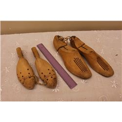Vintage Shoe Stretchers (2 Pairs)