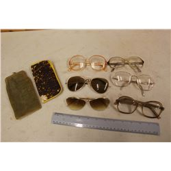 Lot of Retro Pairs of Glasses (6)