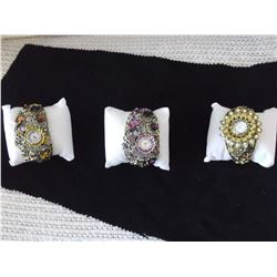 Ladies Glam Watches(Working)(3 Times The Money)