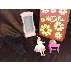 Doll Suitcase, Furniture & Doll