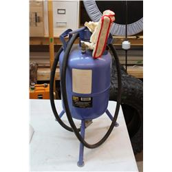 Power Fist 5 Gallon Sandblaster With Manual
