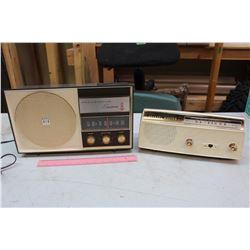 Vintage Westinghouse Tube Radio & A Channel Master Transistor Radio