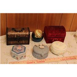 Lot Of Vintage Trinket Boxes