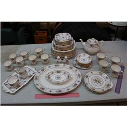 Petty Point Royal Albert Bone China Dishware Set