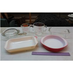 Lot of Pyrex Dishware (1 Fire King Piece)