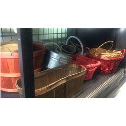 Lot of wicker & apple baskets