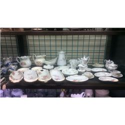 Lot of porcelain items