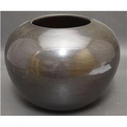 SANTA CLARA POTTERY JAR (BIRDELL)