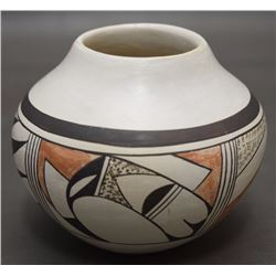 HOPI POTTERY JAR (NAVASIE)