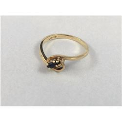 10ct Gold Ring With Centre Sapphire Gem Stone - Inside Diameter 15.50 mm - Weight 1.40 Grams