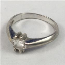 Vintage Sterling Silver USA Made Ring with Clear Gem Stone - Inside Diameter 18.00mm - Weight 3.21 G