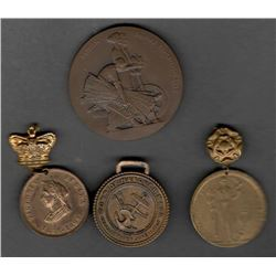 Lot of 4 Medals/Pendants/Medallions: British Empire Exhibition 1925 in Original Case; June 1927 200t