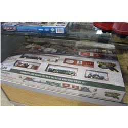 "BACHMANN ""A NORMAN ROCKWELL CHRISTMAS"" HO SCALE ELECTRIC TRAIN SET"