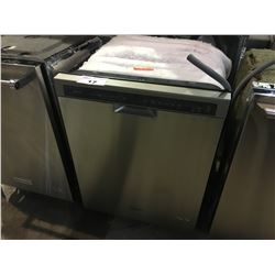 WHIRLPOOL STAINLESS STEEL BUILT IN DISHWASHER