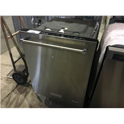 KITCHENAID STAINLESS STEEL BUILT IN DISHWASHER