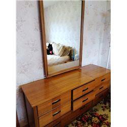 5 PC Vintage Light Walnut Bedroom Suite