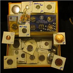 CIGAR BOX LOT INCLUDES VINTAGE WATCH,  SLABBED GEORGE WASHINGTON DOLLAR GRADED MS65 BY PCGS,  VINTAG