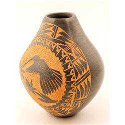 Hummingbird Pot, Lorraine Chinana Walatowa