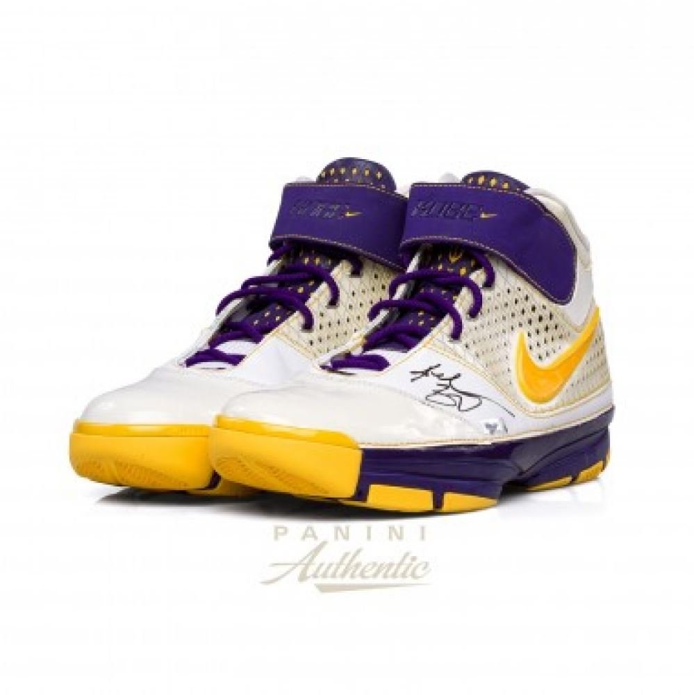 4f5468e22ee5 Kobe Bryant Signed Lakers Pair of (2) Nike Zoom Kobe 2 Shoes ...