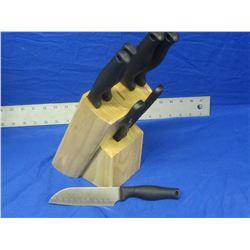 New Mainstays 7 pc knife set