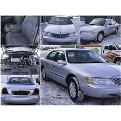 FEATURED ITEM: 2002 LINCOLN CONTINENTAL