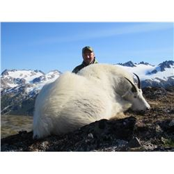 ALASKAN HUNT FOR 2 MOUNTAIN GOATS AND 1 SITKA BLACKTAIL DEER FOR 1 HUNTER