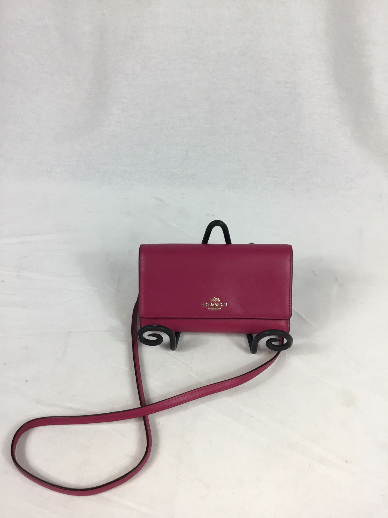 ef2e1df55d ... Image 2   COACH Phone Crossbody in Smooth Leather