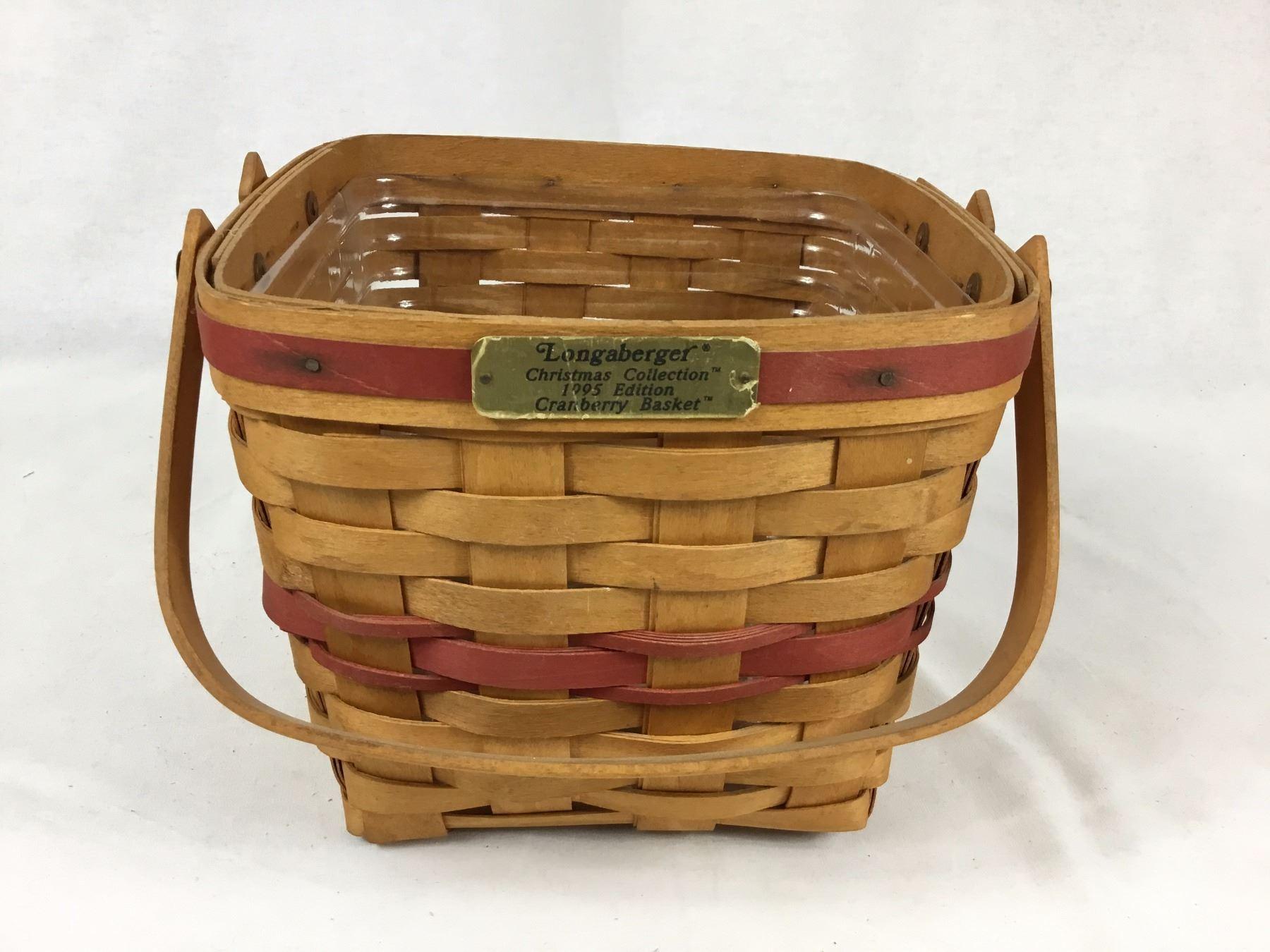 Longaberger Christmas Basket.Longaberger 1995 Christmas Collection Cranberry Basket