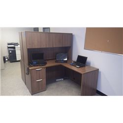 CUSTOM BUILT WALNUT WOODGRAIN L-SHAPE DESK W/2 LOCKING DRAWERS 60 X 60